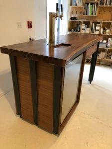 Fica Portable Bar Table